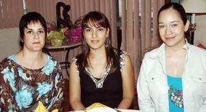 Ana Reed de Leal, Lupita Ramírez de Ávila y Mariela Franco de Sosa.