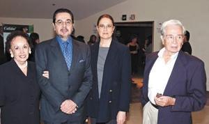 Carolina Díaz-Vélez de Valdés, Ramiro Valdés, Martha Iga y Jorge Valdés Díaz-Vélez.