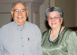 Jorge Bello y Yolanda Garza de Bello.