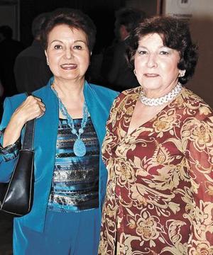 Victoria Acosta y Vivi de la Peña.