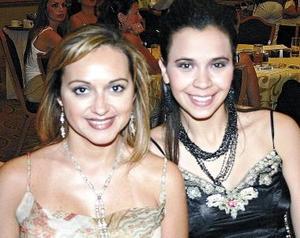 Cristina de Nahle y Katya Nahle.