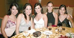 Karla Samaniego, Marycarmen Martínez, Marcela Vega, Lucía García y Caro Venegas.