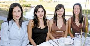 Nayeli de la Garza, Claudia  Padilla, Ana Villar y Marcela Aremnd÷ariz de Bustos.