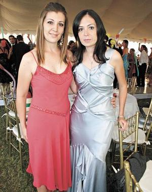 <b>25 de octubre de 2005</b><p> Yolanda Fernández y Belinda Villarreal.