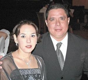 <b>25 de octubre 2005</b><p> Marcia y Carlos Prado.