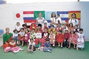 <B>25 de octubre 2005</b><p> Alumnos de un jardín de la ciudad, conmemoraron  el Día de las Naciones Unidas.