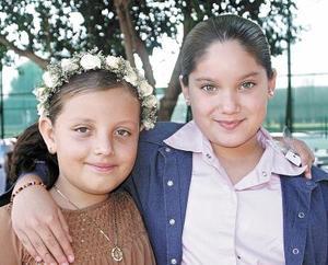 <b>25 de octubre 2005</b><p> Regina Rodríguez y Angélica Amezcua.