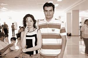 <b>24 de octubre 2005</b><p> Roberto Alemán  viajó a Tijuana, los despidió Carmen Martínez.