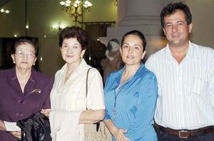 Martha T. de Gurza, Leticia de Díaz Ceballos, Ana García de Díaz Ceballos y Ángel Díaz Ceballos Torre.