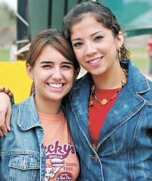 Becky García y Sally Katsicas.