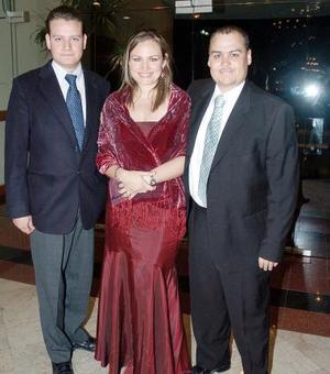 <b>27 de octubre de 2005</b><p> Alfonso Balbuena, Érika Balbuena y Eduardo de la Peña.