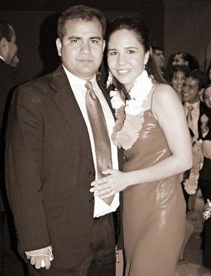 <b>27 de octubre 2005</b><p> Alejandro y Marcela Pimentel.