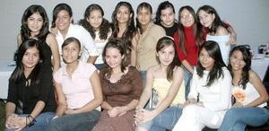 <B>27 de octubre 2005</b><p> Con una divertida fiesta Cynthia Castañeda Almaraz festejó su cumpleaños, acompañada de un grupo de amigas quienes  la  felicitaron.