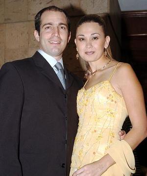 César Villalpando Cardini y Lorena Gutiérrez de Villalpando.