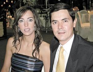 <b>28 de octubre 2005</b><p> Sandra Cabrera de Bitar y Jesús Bitar.