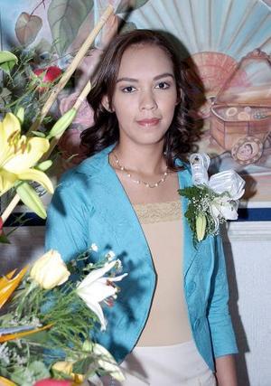 Perla Azucena Valdez Ramírez disfrutó de una fiesta de despedida de soltera.