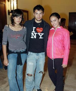 Arely Giacomán, Fausto Aldaba y Micaela Álvarez