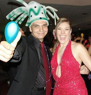Julio Motola y Carla Hernández.