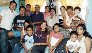 Con una bonita fiesta, fue festejada la señora Rafaela Arias Cossío por sus familiares.