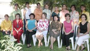 Leticia de Ramírez, Georgina de Salmón, Aurorita de Manzanera, Hilda de Zarzar, Ale de Nahle, Peggy, Tere, Liz, Cristy, Maga, Carmen, Lety, Laura Valdez, Gaby Barrera y Lourdes de Mexsen.