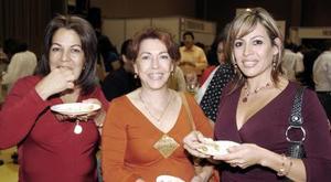 Beba Chávez de Anhert, Bibis Chávez y María Luisa de Mc Govern.