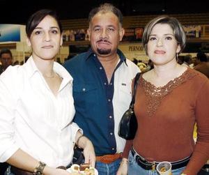 Cristina Elías de Ramírez, Mario Varela y Pilar Elías de Varela.