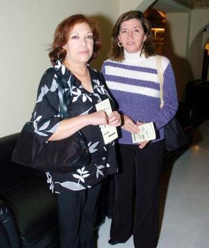 Elisa Cobos González y María Concepción García López.