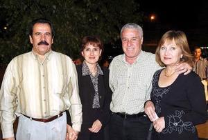 Enrique Maisterrena, Sylvia de Maisterrena, Jesús Fernández y Adriana de Fernández.