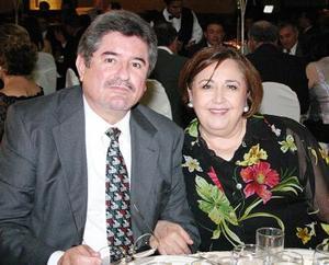 Fernando González Ruiz y Patricia Arriaga de Gonzállez.