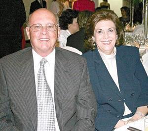 Filemón Garza y Cecilia de Garza.