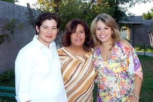Lourdes Téllez de López, Laura Torres de Márquez y Brenda Noriega de Necochea.
