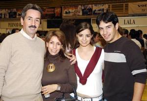 Luis Cuerda, Rocío Serna de Cuerda, Mariana Álvarez Valdez y Alberto Cuerda sERNA.