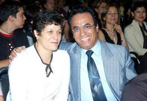 María de Jesús Espinoza y Mario Espinoza.