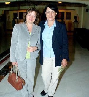 Mariví Villalobos y Julia Meléndez.