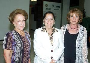 Norma Tostado, Ana Laura de Torres y Consuelo de Arias.