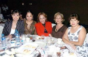 Nury Ortiz, Yelile Dipp, Mague Soto, Cristy de Vázquez y Magda Pérez.