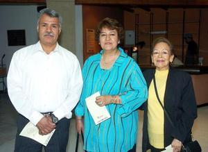 Rafael Gaona, Lidia Valtierra y Lorena Moncada.