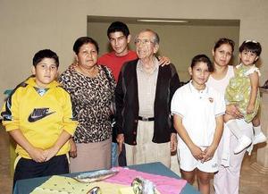 Rodolfo Campos Lucero, Lidia, Carolina, Christian, Brandon, Estefany y Leslie Campos.