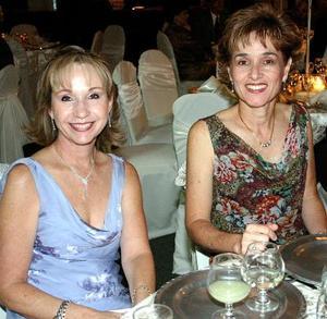 Marilés Garza y Rosario Fernández.