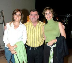 Mirita Bredeé de Garza, Martín Amarante y Marcela de Amarante.