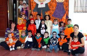 <B>31 de octubre 2005</b><p> Los 'peques' disfrutaron de una alegre reunión de disfraces.