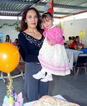 Andrea Abraham Mora celebró su segundo cumpleaños, con una bonita fiesta infantil, preparada por su mamá.