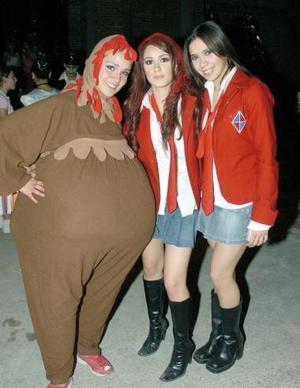 <b>01 noviembre 2005</b><p> Carmina Fernández, Karina Berlanga y Katia Nahle.