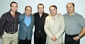 <b>01 noviembre 2005</b><p> Señor José Antonio Lamberta Montalbán, en su celebración de cumpleaños, lo acompañan Ignacio Peña Lamberta, José Antonio Lamberta Amarante, Rogelio Villarreal y Sergio de la Garza.