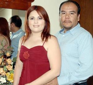 <b>04 de noviembre 2005</b><p> Rocío Lira Moreno e Ismael Álvarez.