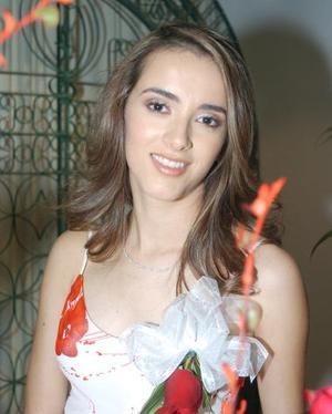 <b>04 de noviembre 2005</b><p> Lucy Olivia Torres Romo, contraerá nupcias en breve por lo que se le organizó una fiesta de despedida.