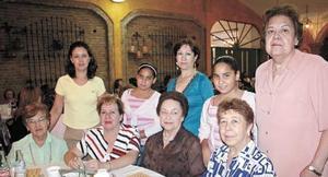 Elena Veyán  de González, Rosalinda Romo, Angélica de Villarreal, Luisianna Villarreal, Lucero Villarreal, Soledad de Santiago, Marisela, María Esther y María Teresa Orozco.