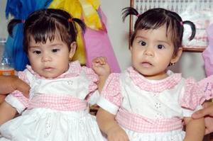<b>03 de noviembre</b><p> Sofía Michelle y Andrea Lizette Murillo Fernández.