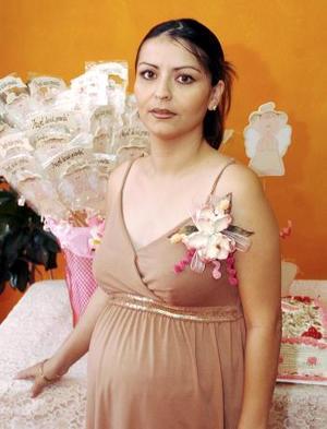 Liliana Pérez Solís espera el nacimiento de su primer bebé.