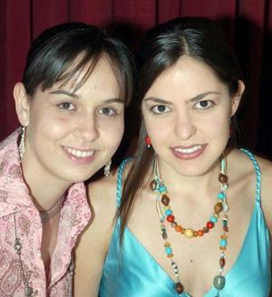 Miriam Villalobos y Judith Hernández.